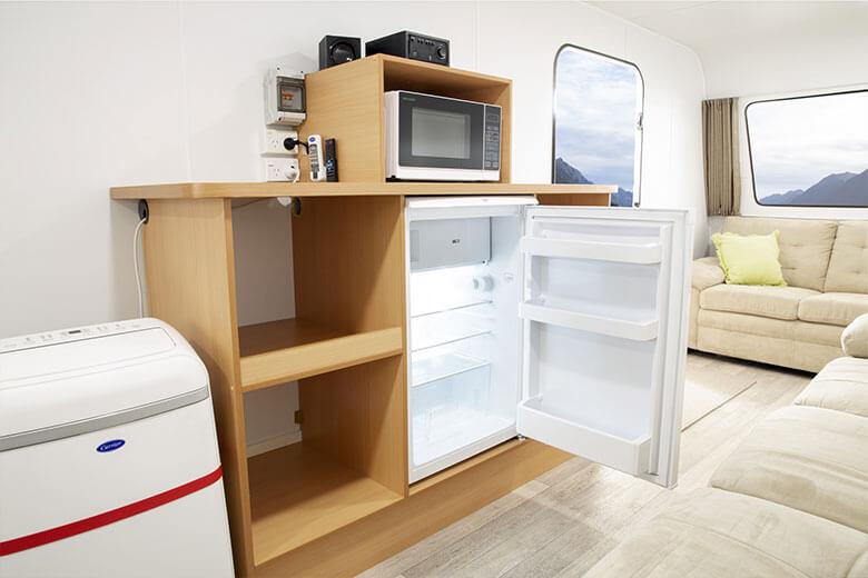 green-room-office-interior-1