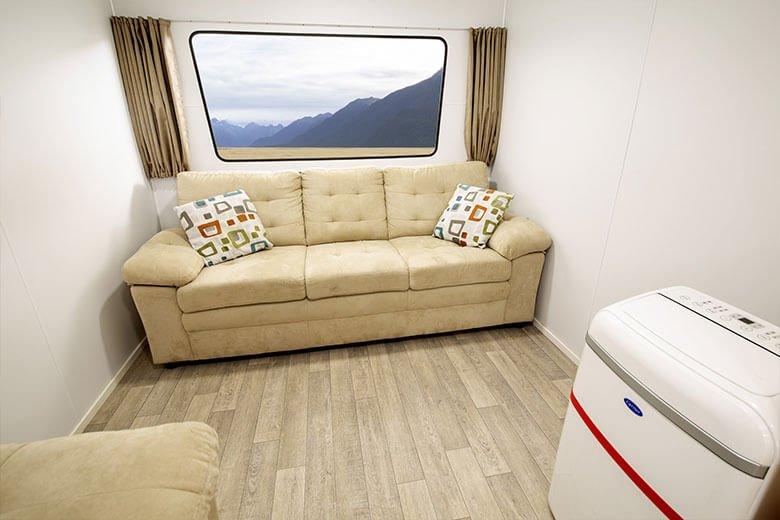 green-room-office-interior-2