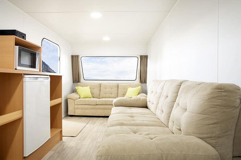 green-room-office-interior-3