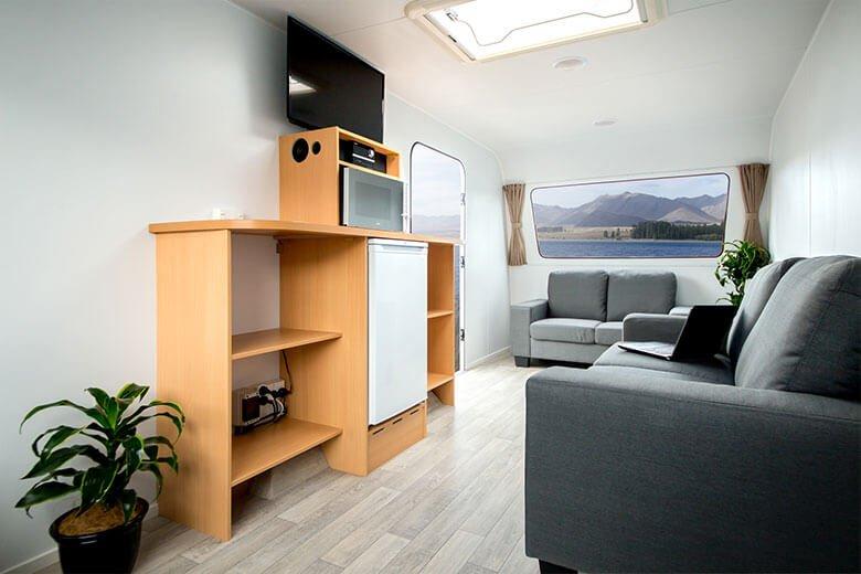 green-room-office-trailer-12